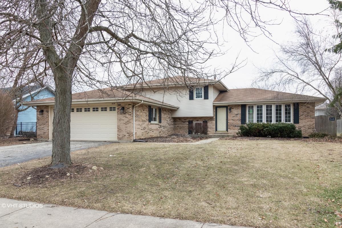 1006 Somerset Acres, New Lenox, Illinois