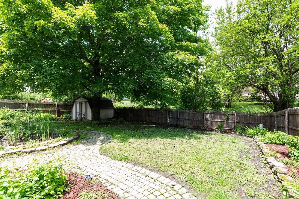 17832 Ridgewood Dr, Hazel Crest, Illinois