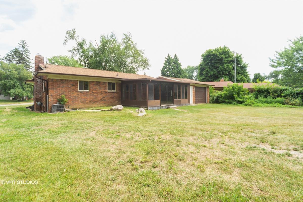 2128 Kingswood Dr, Flint, Michigan