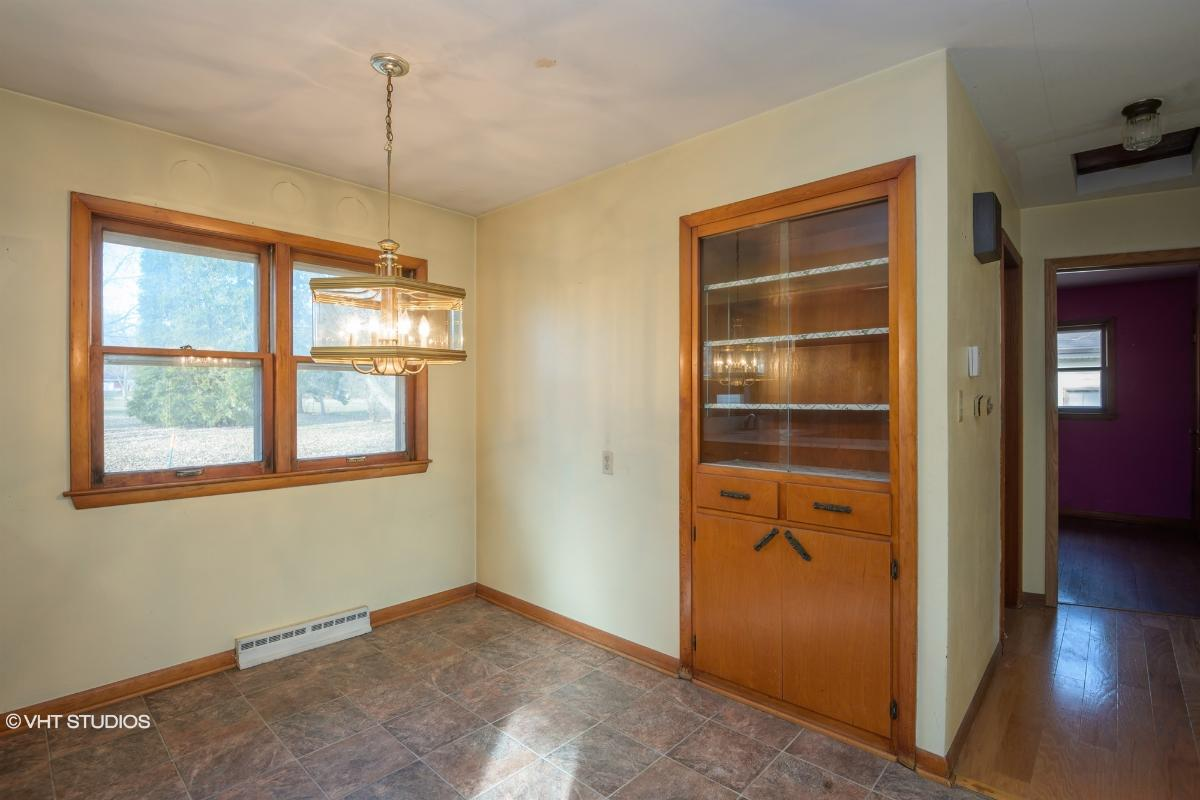 10161 S Nicholson Rd, Oak Creek, Wisconsin