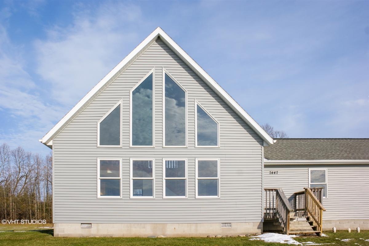7447 E Broomfield Rd, Mount Pleasant, Michigan