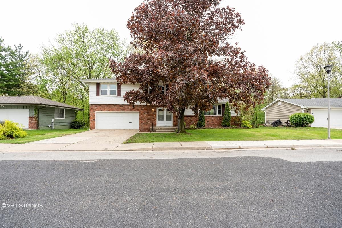 2621 N Kingston Dr, Peoria, Illinois
