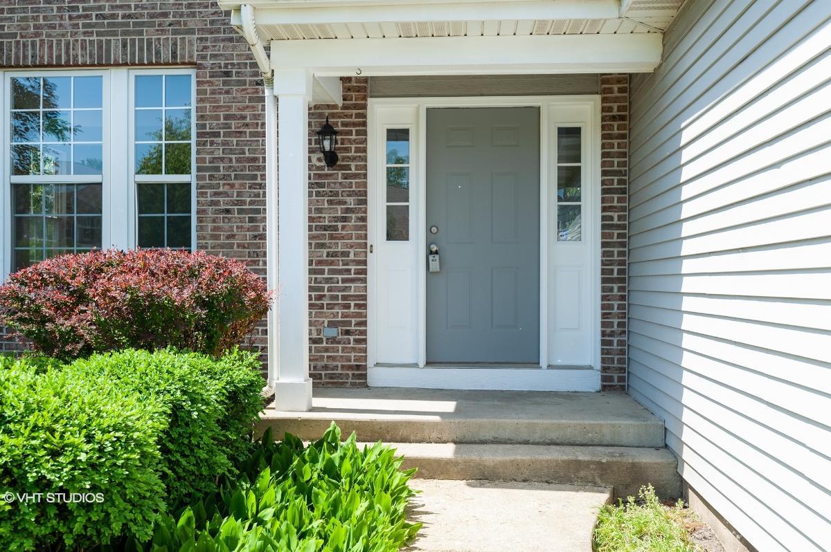 27 Highland Rd, Grayslake, Illinois