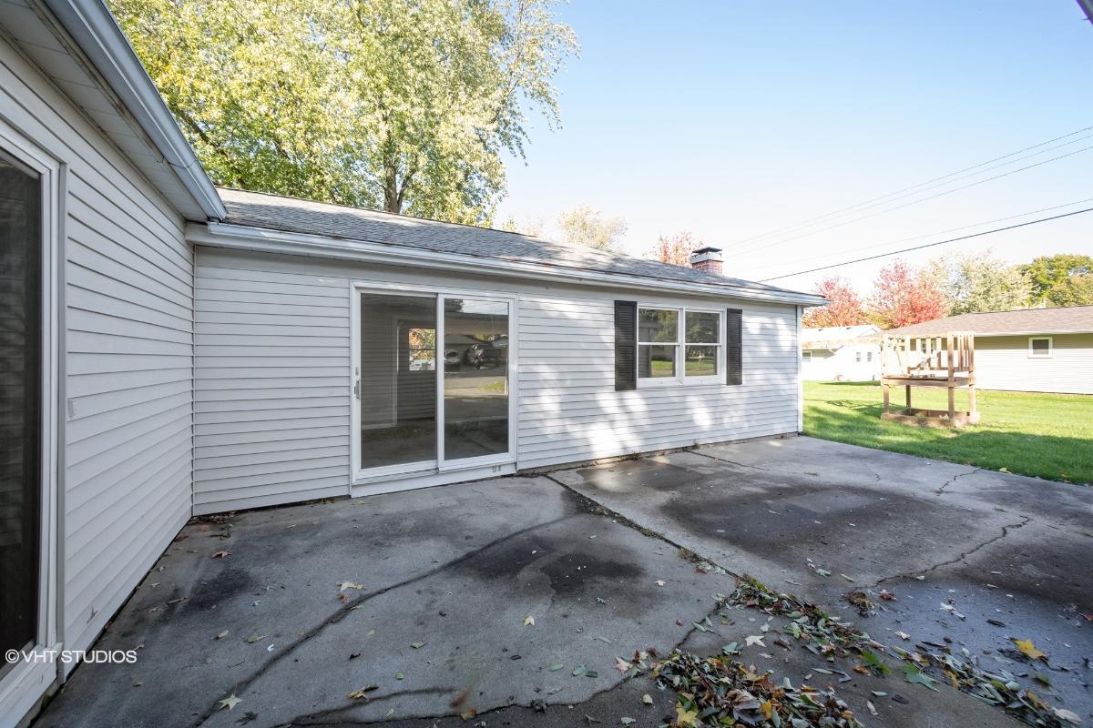 1418 Cherokee Ln, Ottawa, Illinois