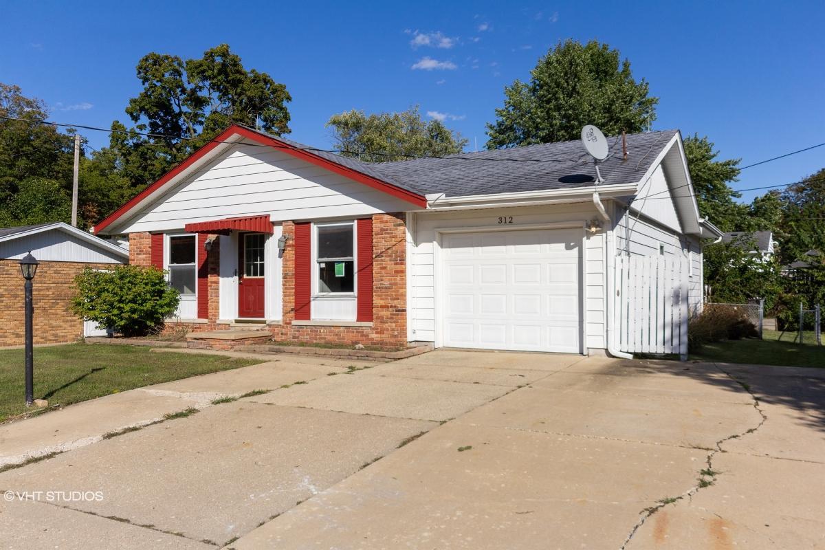 312 S West St, Tremont, Illinois