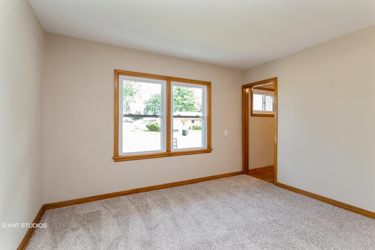 213 2nd St, Manawa, Wisconsin