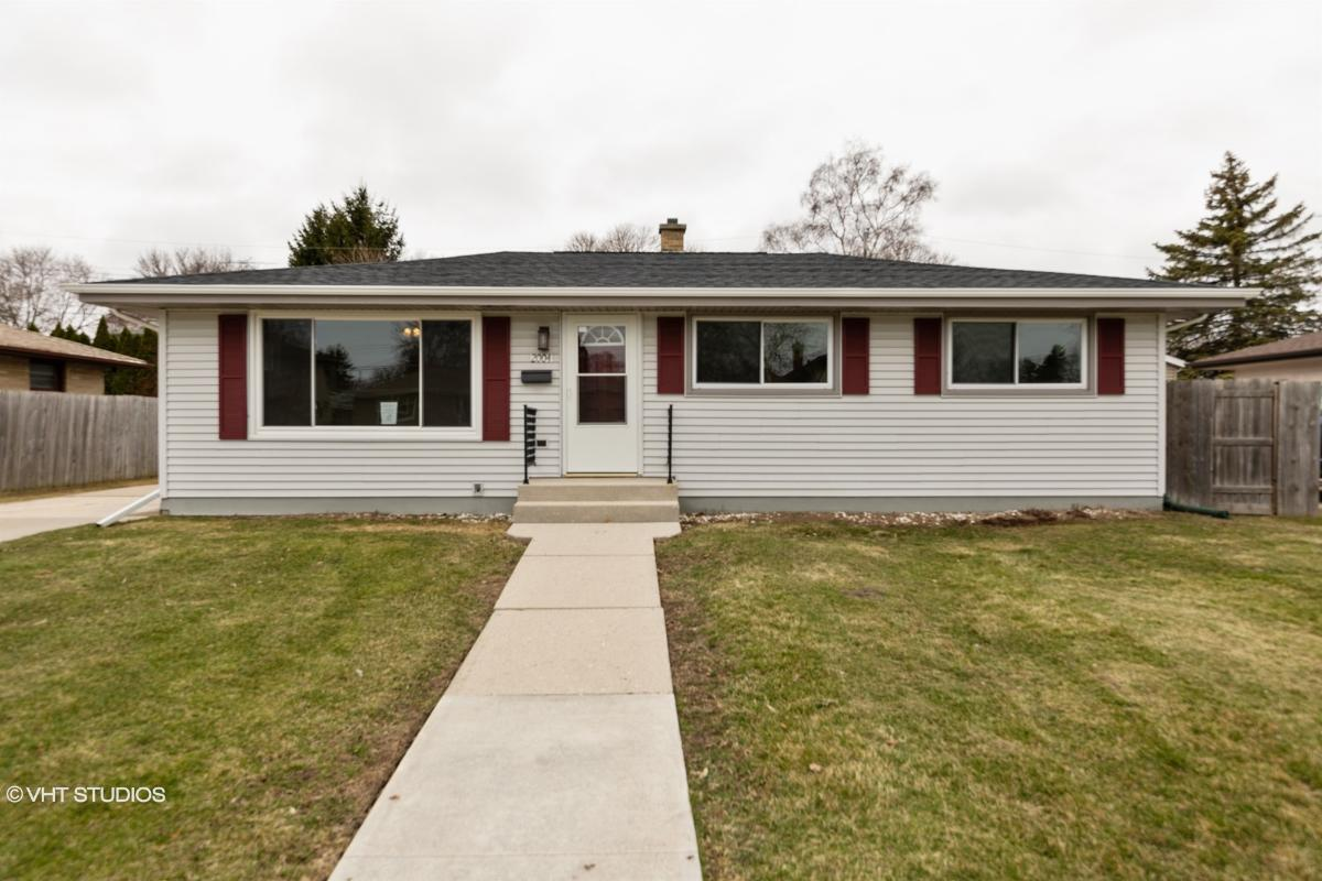 2004 N 27th St, Sheboygan, Wisconsin