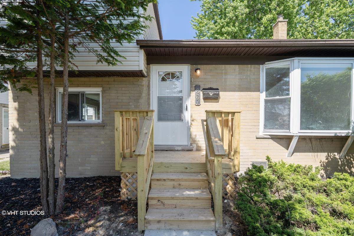 8267 Perrin Ave, Westland, Michigan