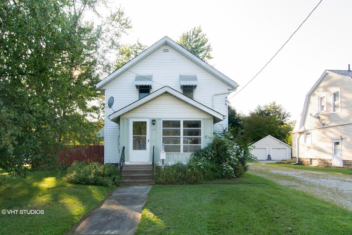 588 Jackson St, Amherst, Ohio