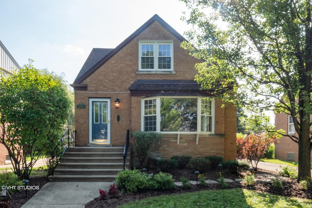 1547 Hull Ave, Westchester, Illinois