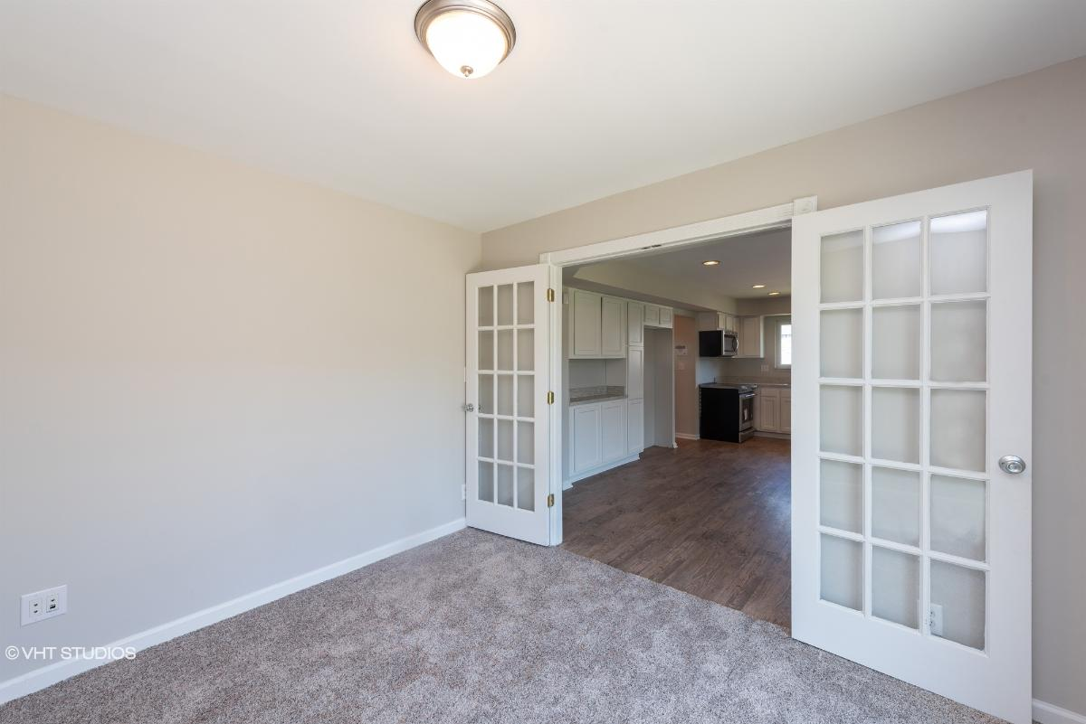 33240 Chatsworth Dr, Sterling Heights, Michigan