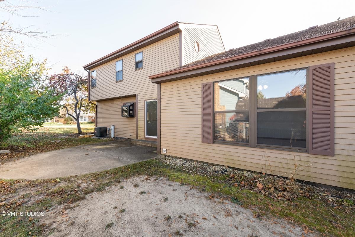 2638 Northcreek Dr, Woodridge, Illinois