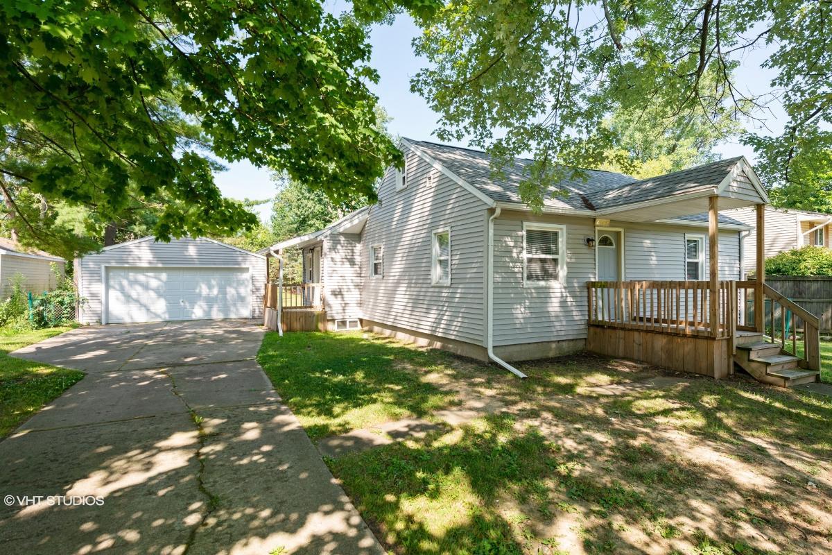 2828 S Catherine Street, Lansing, Michigan