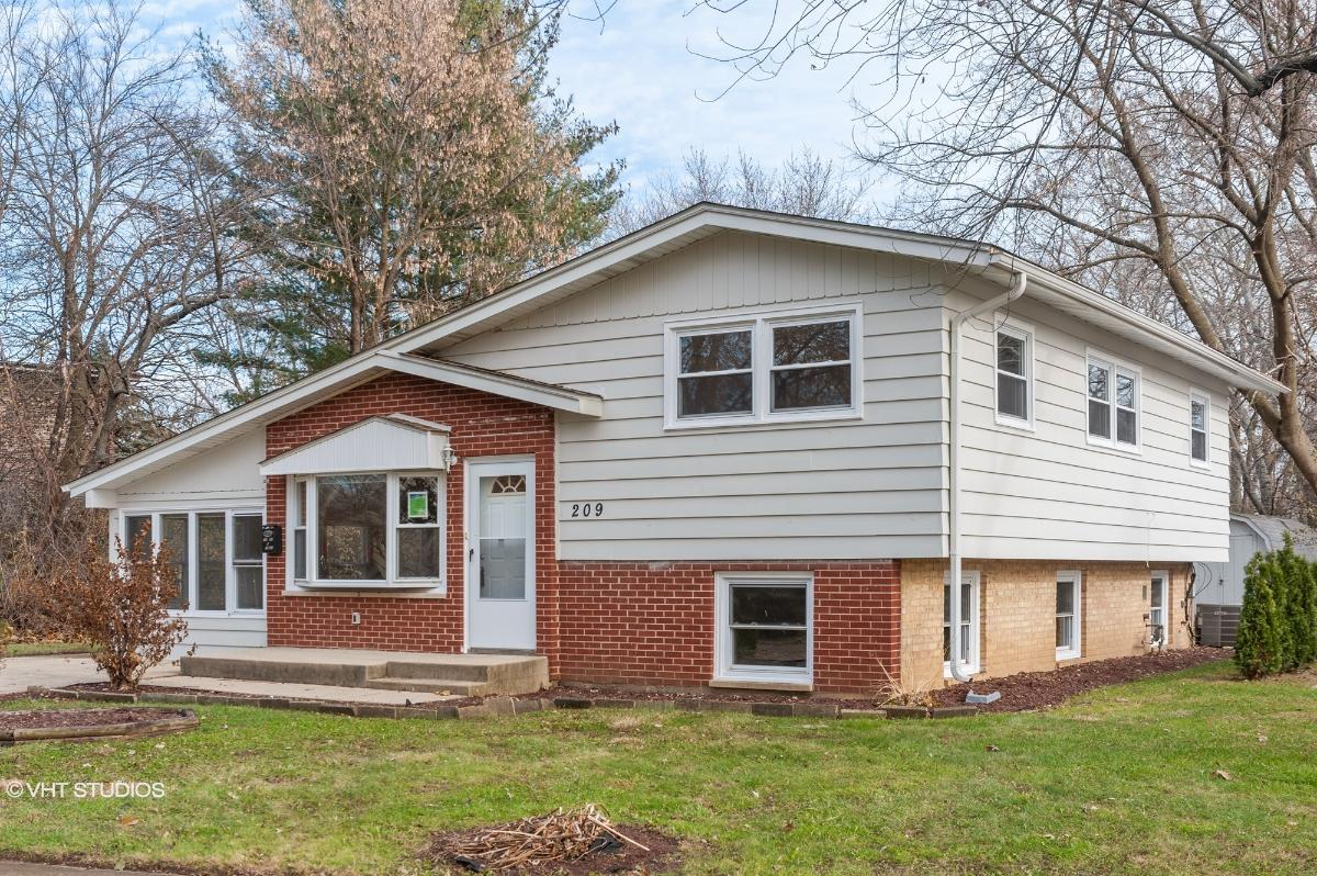 209 7th St, Wheeling, Illinois