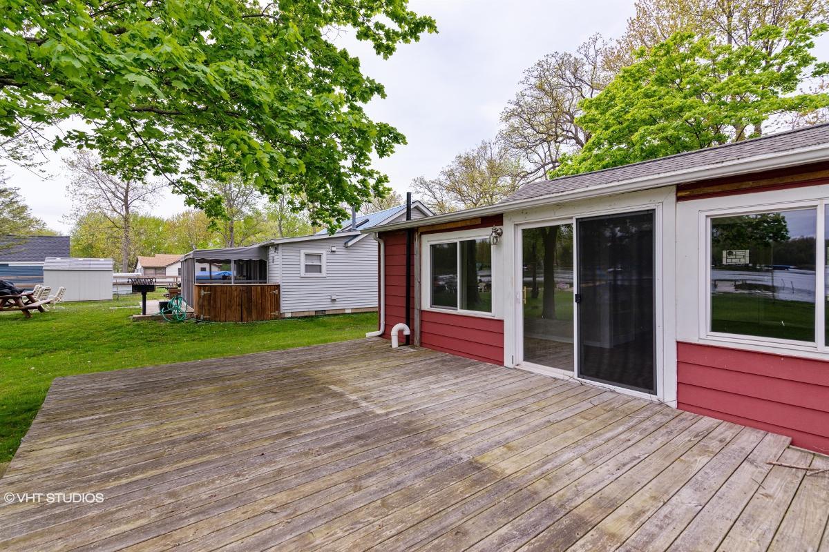 11765 Patterson Lake, Pinckney, Michigan