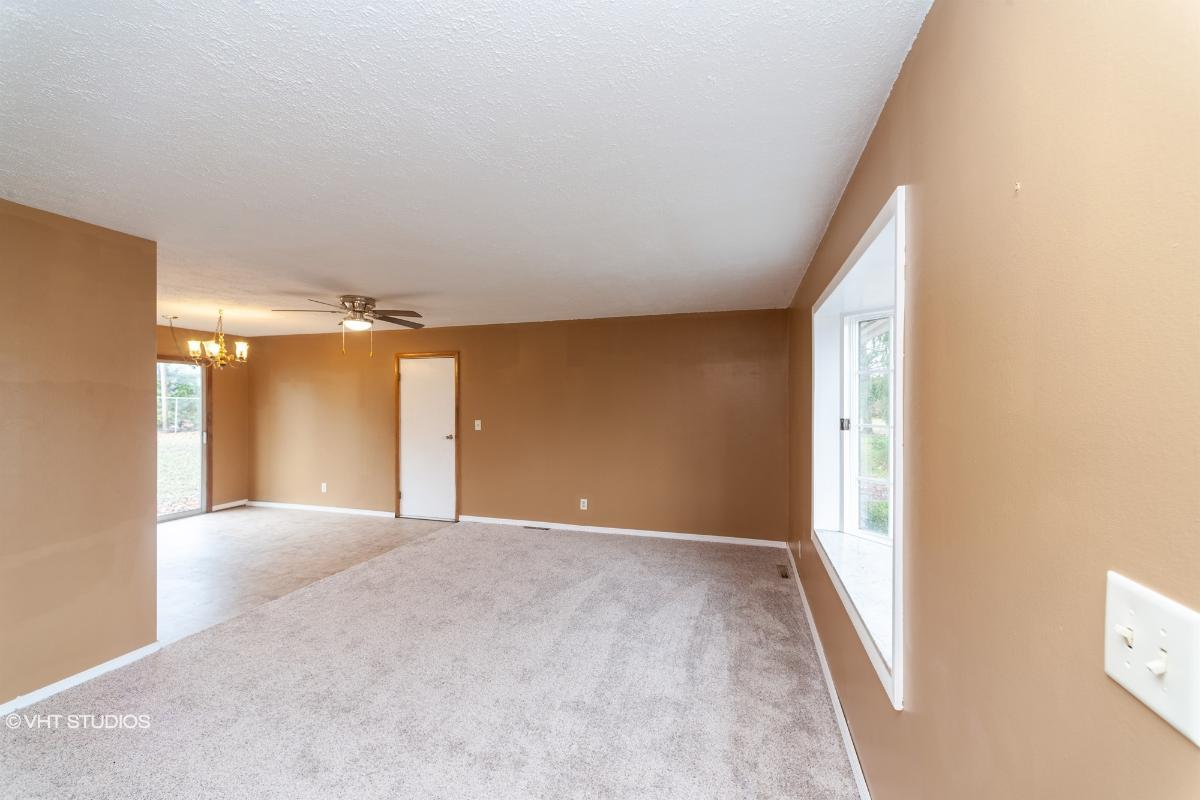 868 Ne Niles Cortland Rd, Warren, Ohio