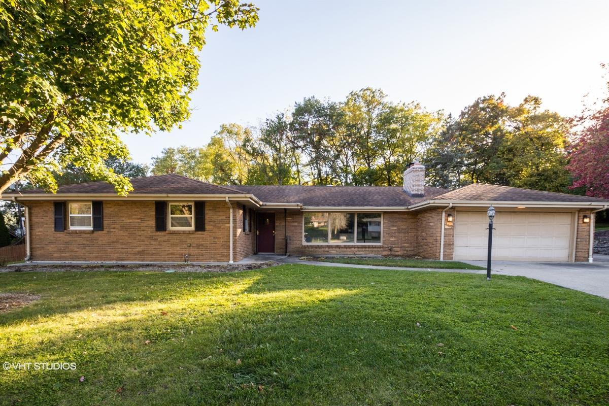 4405 Berkshire Close, Rockford, Illinois