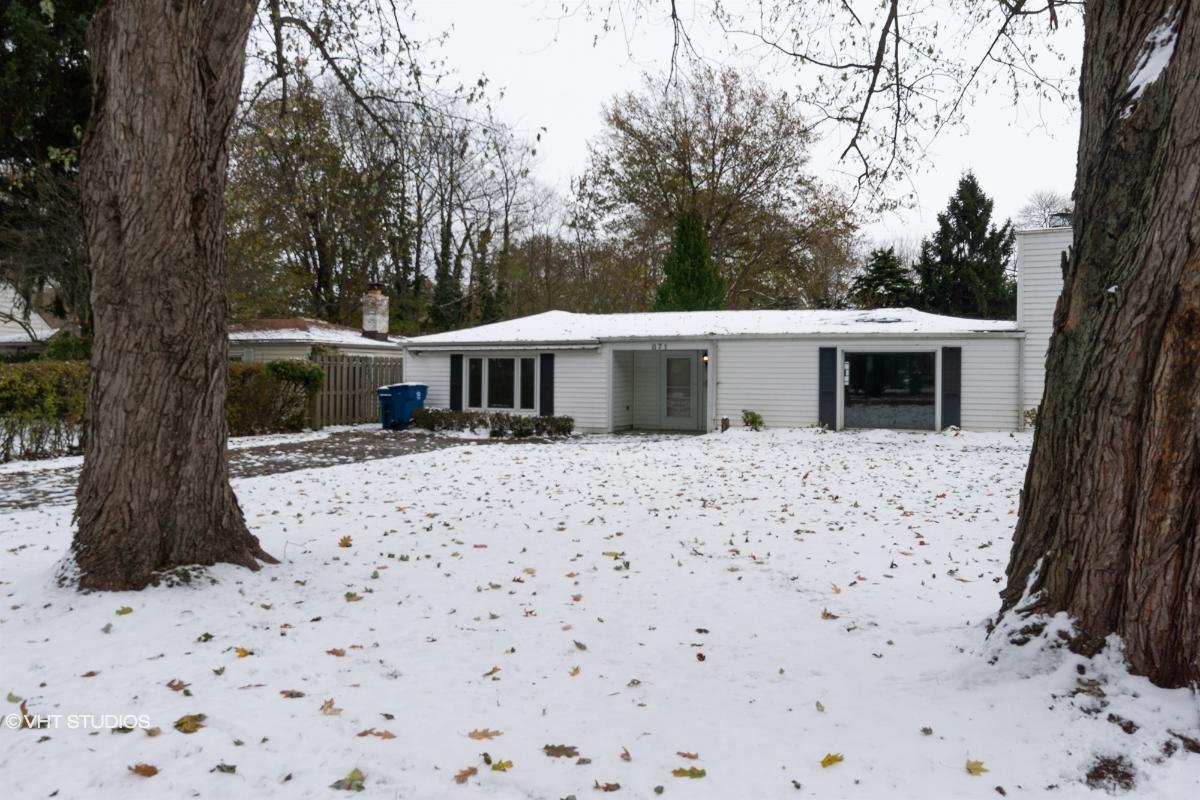 871 Birchwood Dr, Willoughby, Ohio