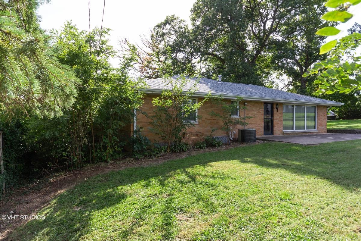 123 W Wynnwood Dr, Peoria, Illinois