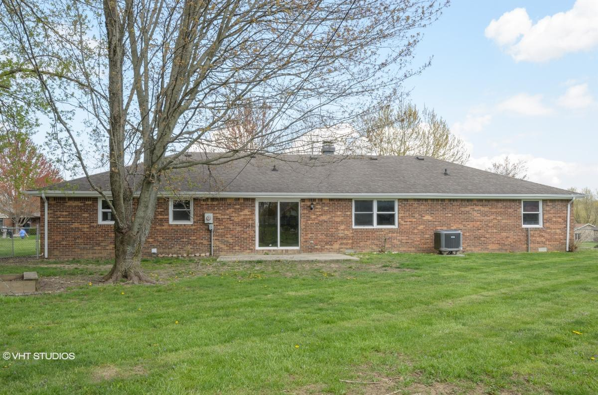 1281 Riverene Way, Anderson, Indiana