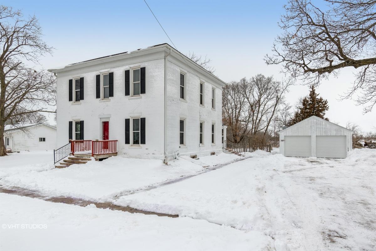 211 W Walnut Street, Rhodes, Iowa