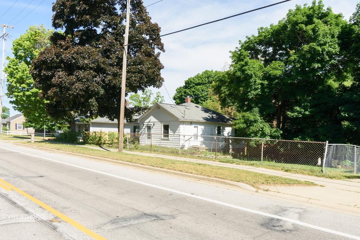 1307 Knapp Street Ne, Grand Rapids, Michigan