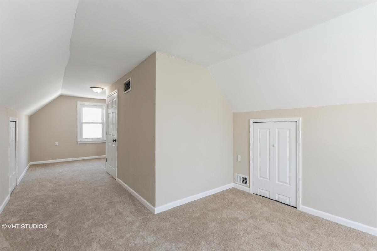 25063 Andover Dr, Dearborn Heights, Michigan