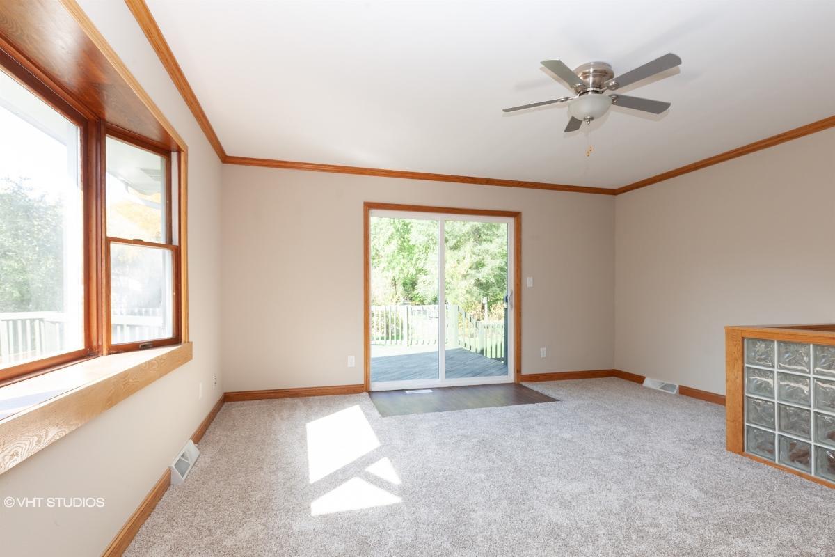 176 Ludwig Ave, Dousman, Wisconsin
