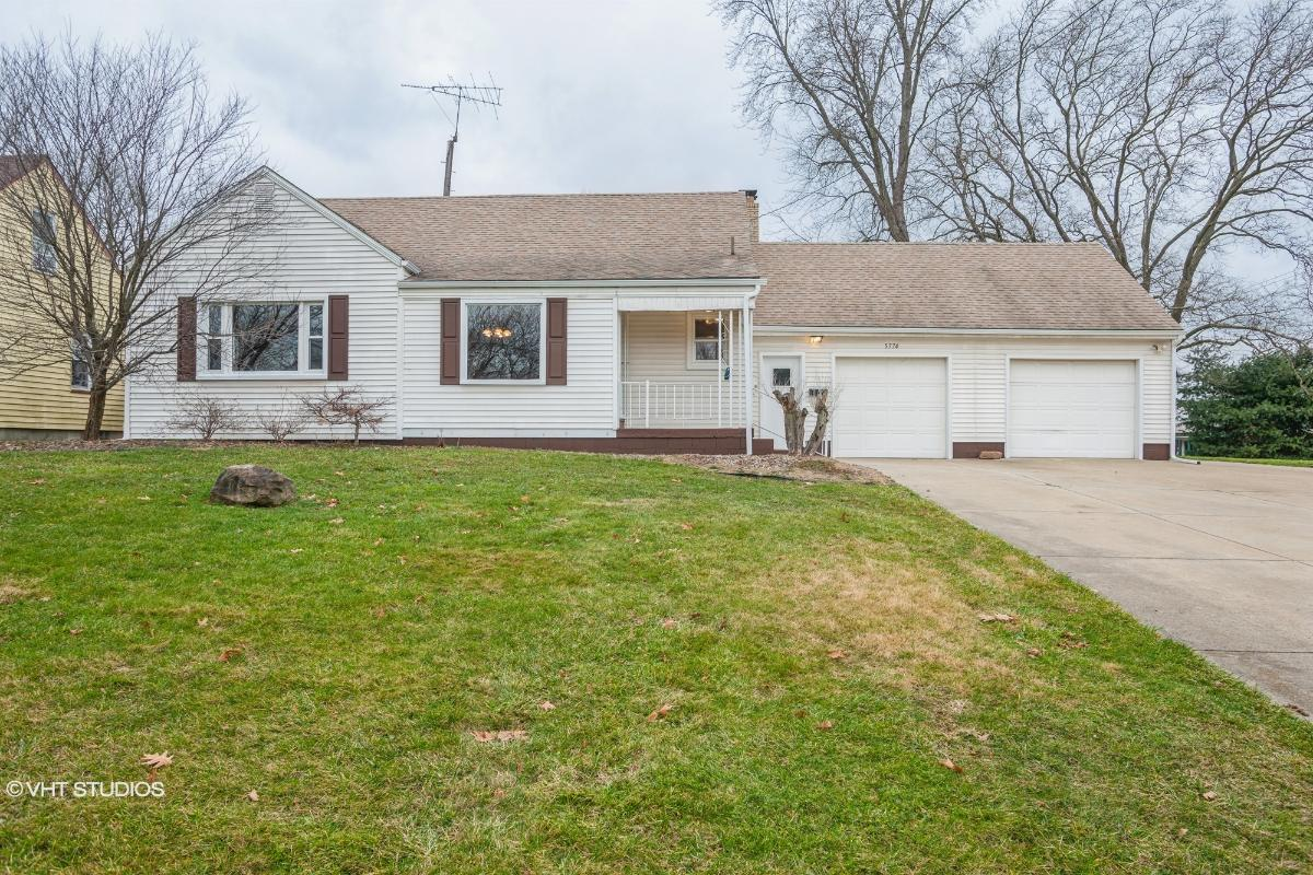 5774 Beechwood Dr, Youngstown, Ohio