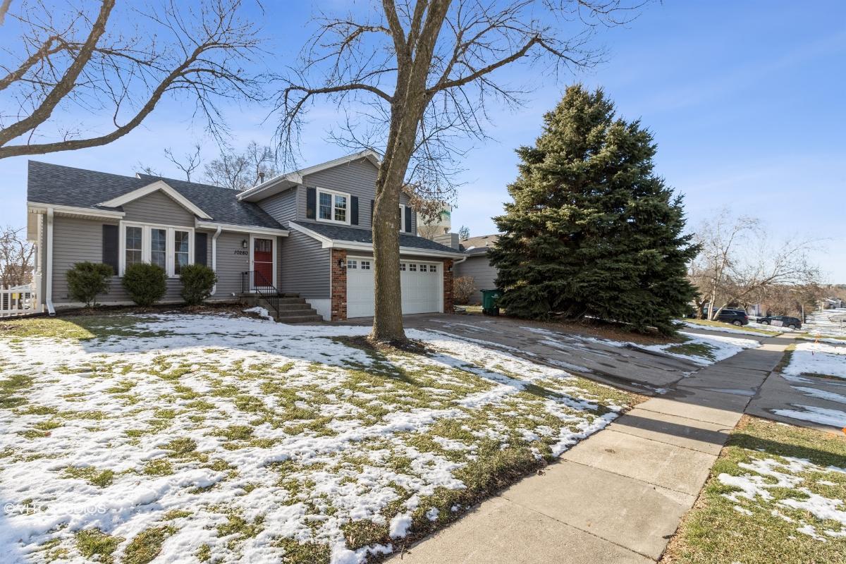 10280 Clark St, Clive, Iowa