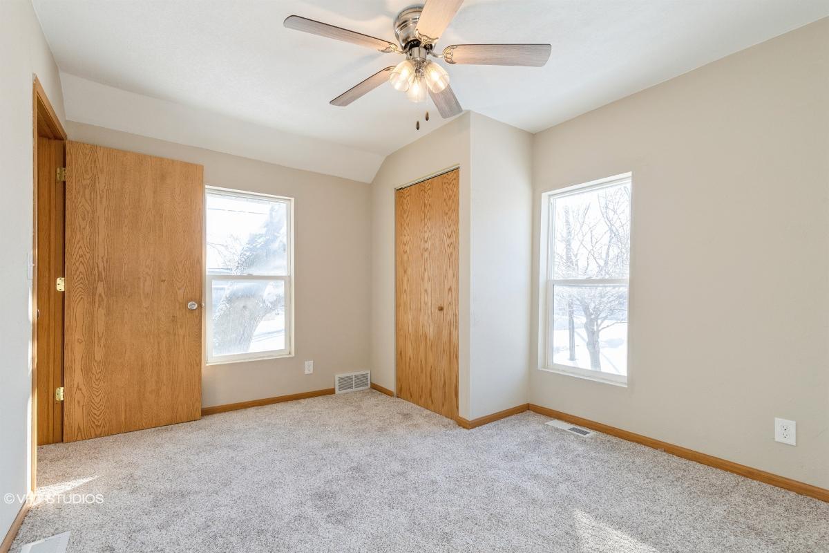 221 Roselawn Avenue, Muscatine, Iowa