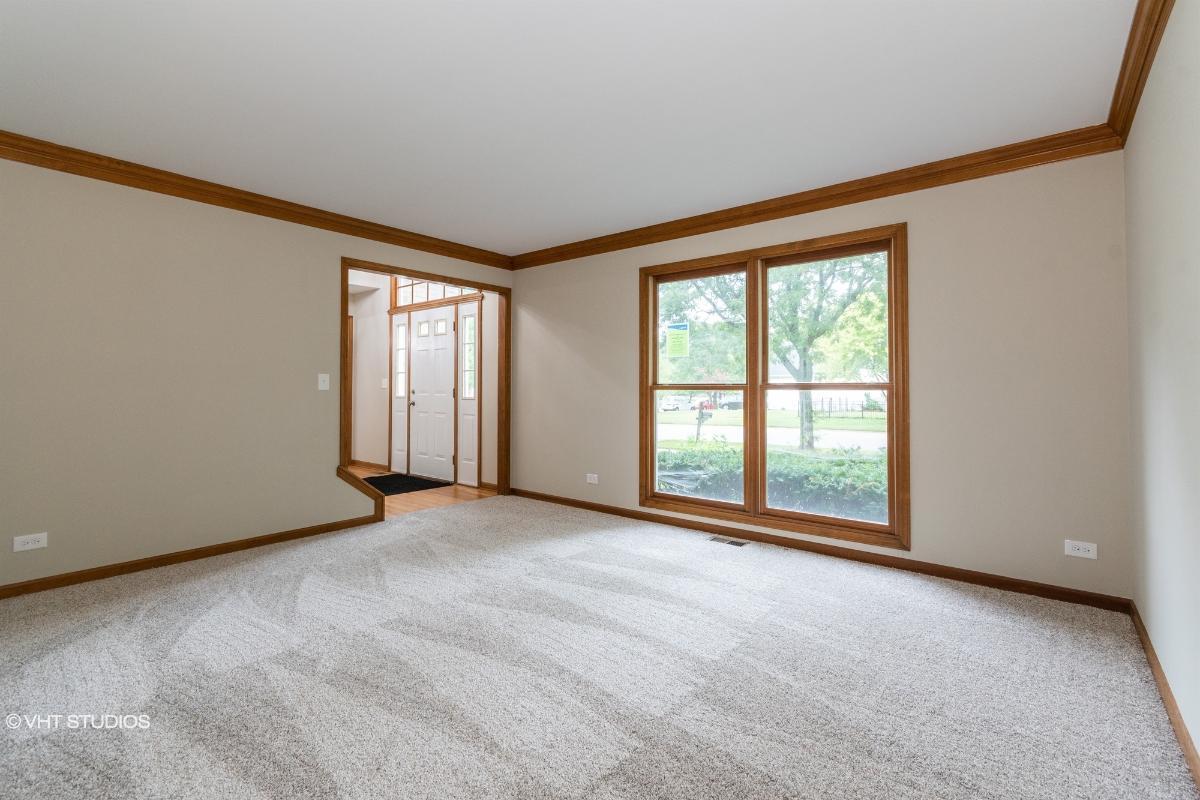 896 Wood Ave, Geneva, Illinois