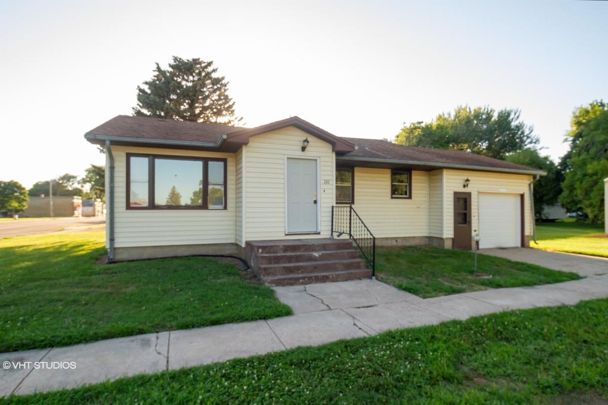101 N Nebraska Ave, Davis, South Dakota