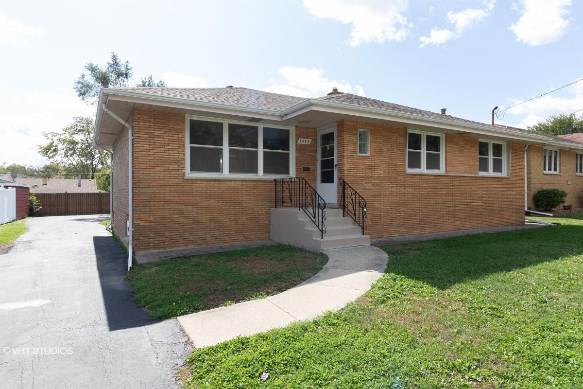 7323 W 111th St, Worth, Illinois