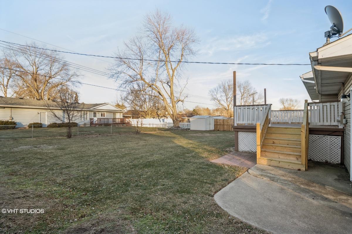 1105 E Brookview Lane, Peoria, Illinois