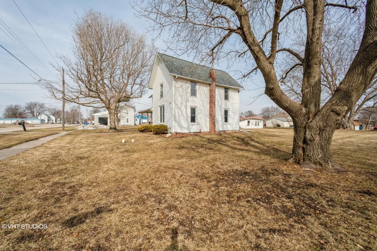 106 S School St, Atkinson, Illinois