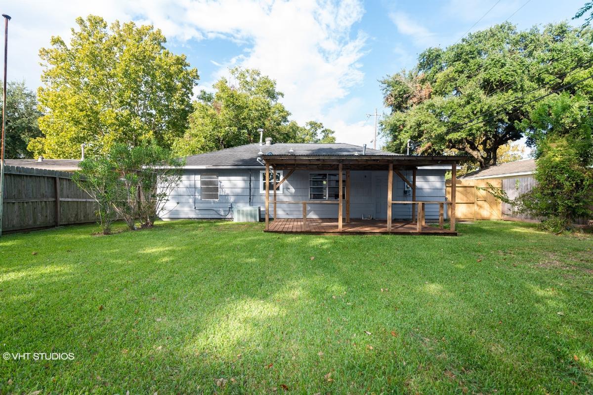 305 Linda St, Deer Park, Texas