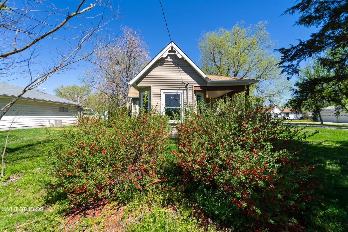 381 Walnut St, Hawk Point, Missouri
