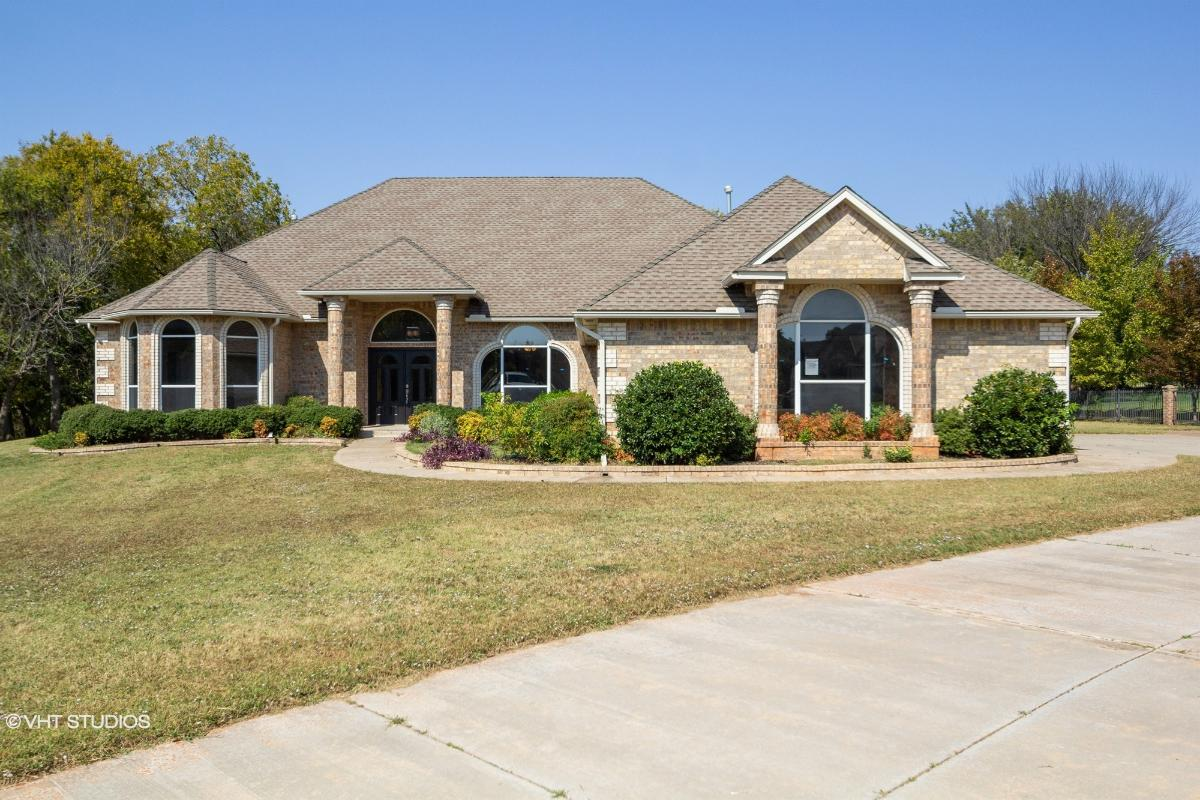 205 S Riverside Dr, Moore, Oklahoma