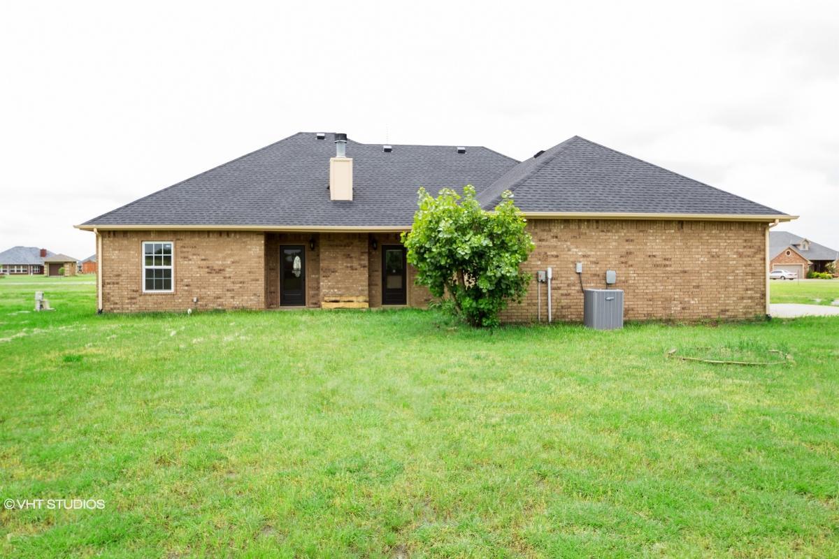 550 Sw Deyo Landing Way, Cache, Oklahoma
