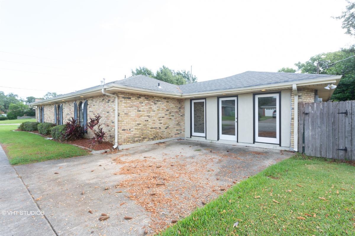 4828 Belle Dr, Metairie, Louisiana