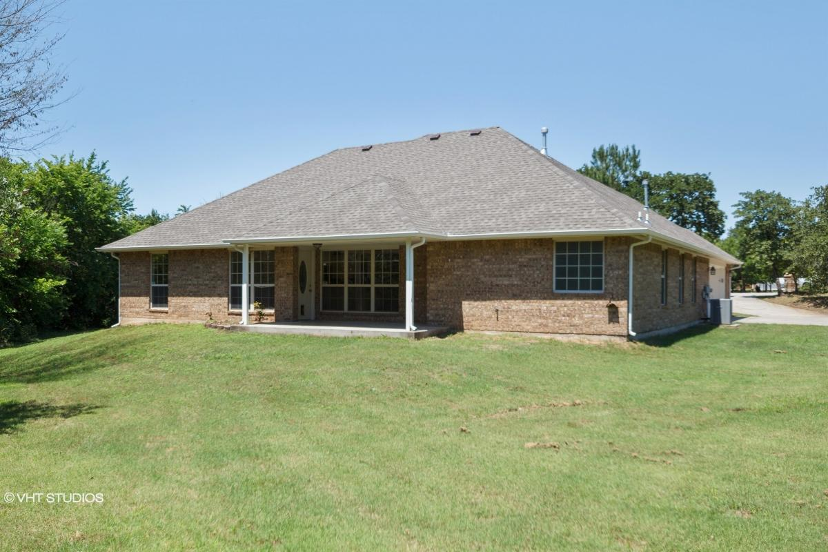 19600 Martha Cir, Harrah, Oklahoma