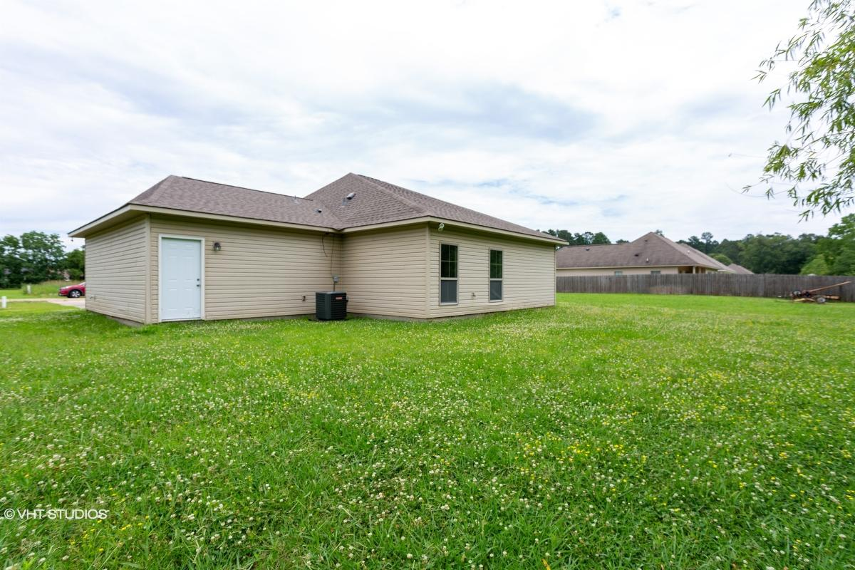12742 Jaden Drive, Walker, Louisiana