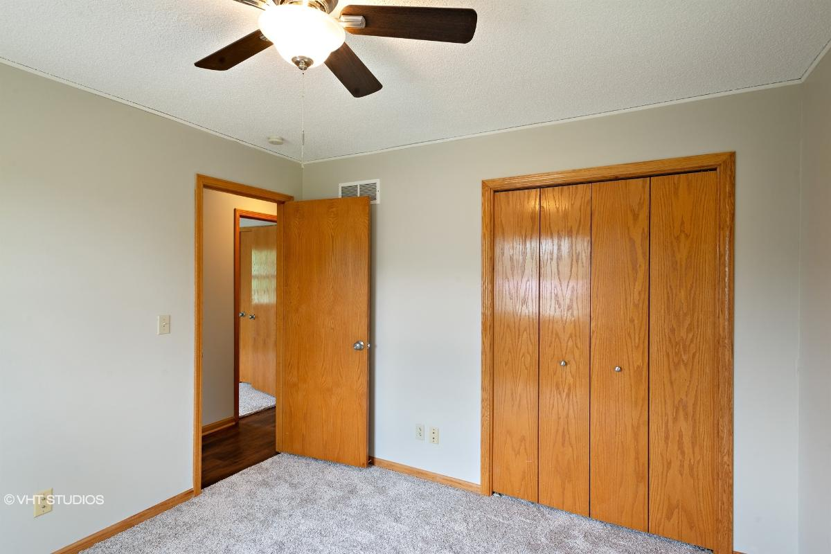 17851 Hollingsworth Rd, Tonganoxie, Kansas