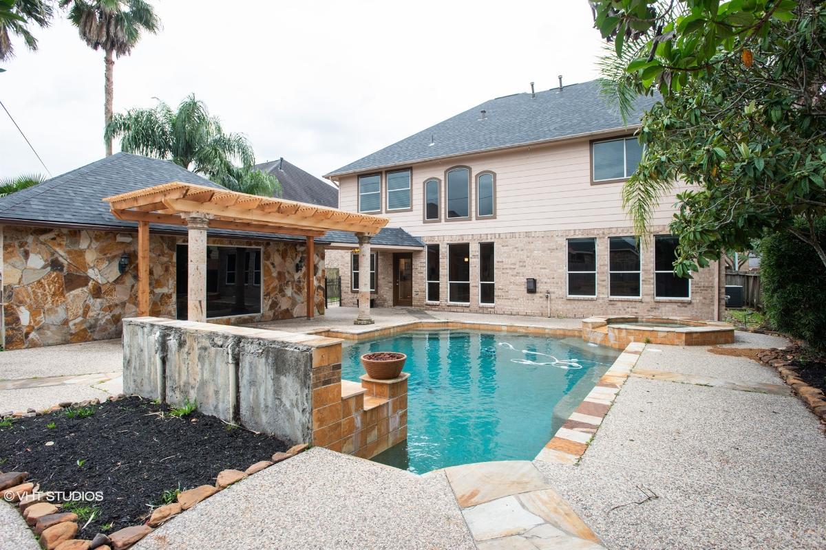 13918 Cartage Knolls Drive, Cypress, Texas