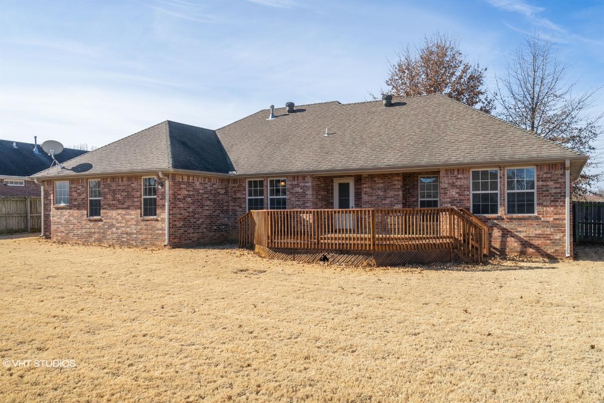 244 Briarhill Drive, Farmington, Arkansas