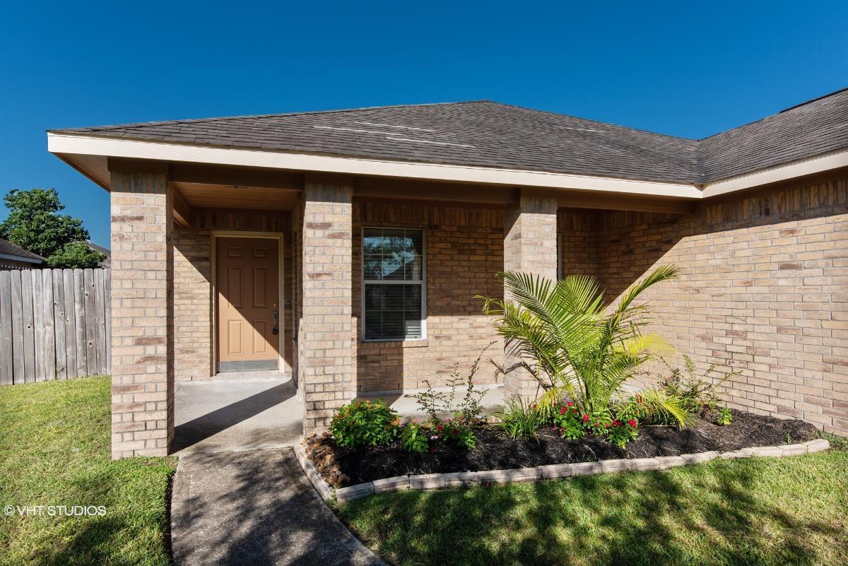 225 Seascape Lane, Dickinson, Texas