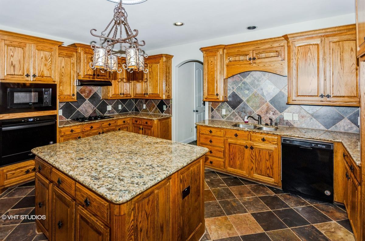 7008 Royal Oak Estates Dr, Sachse, Texas
