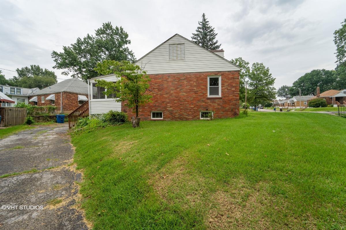 9001 Pallardy Ln, Saint Louis, Missouri