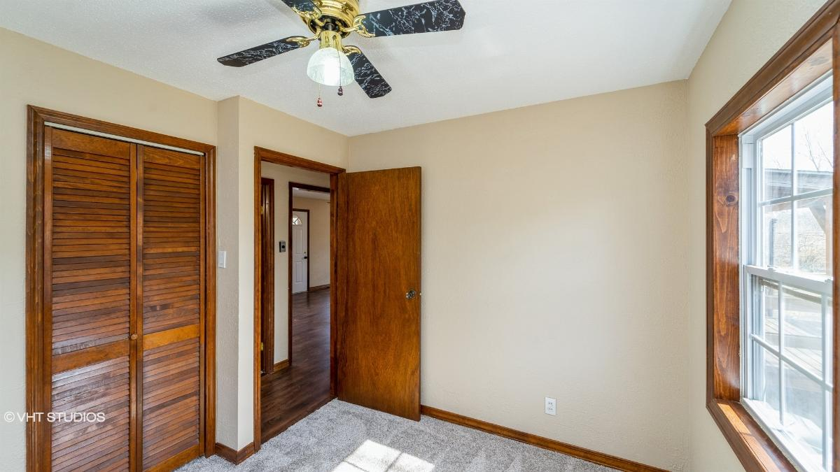10824 St Francis Lane, Saint Ann, Missouri